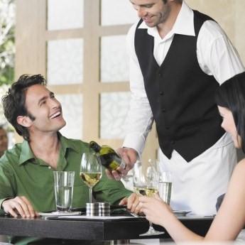 Cameriere di sala: quanto conta l'aspetto fisico?