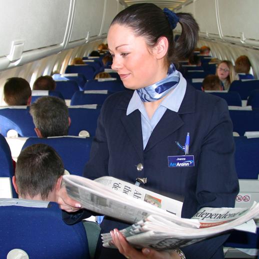 Hostess e assistente di volo: scuola, formazione, paga e lavoro