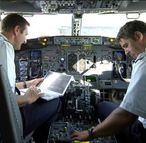 curriculum vitae pilota aereo