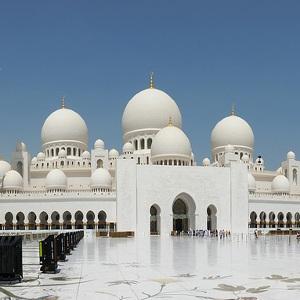 lavorare negli emirati arabi